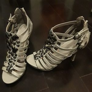 High Heels Gemstones Caged Zipper Gray Unique